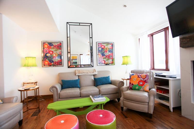 TL332_livingroom